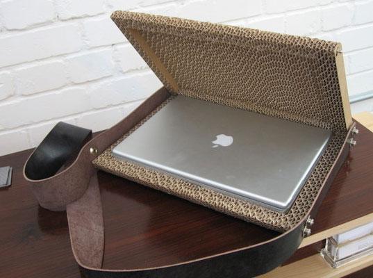 La borsa per il portatile? Meglio in cartone ondulato